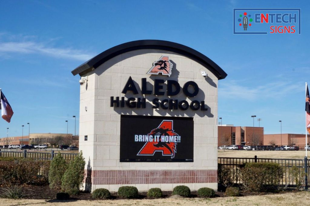 Full Color LED Sign at High School Gets Parents, Teachers, and Students Motivated and Involved!